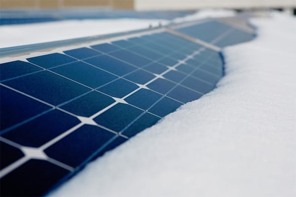 Could solar power and battery storage help solve the USA` winter grid needs