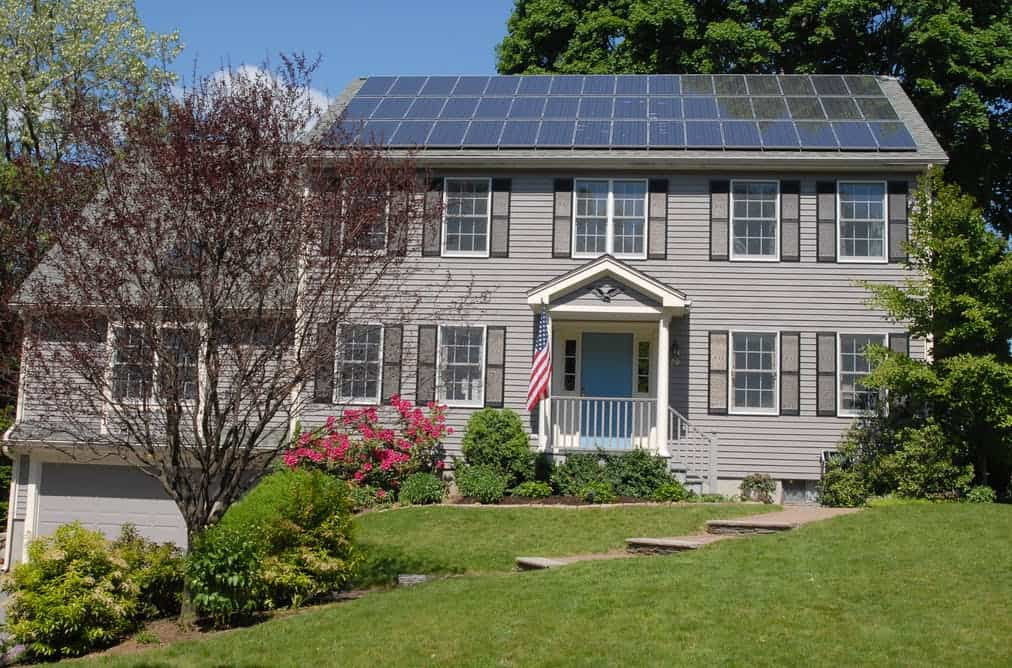 How many solar panels do I need on my house to become energy independent