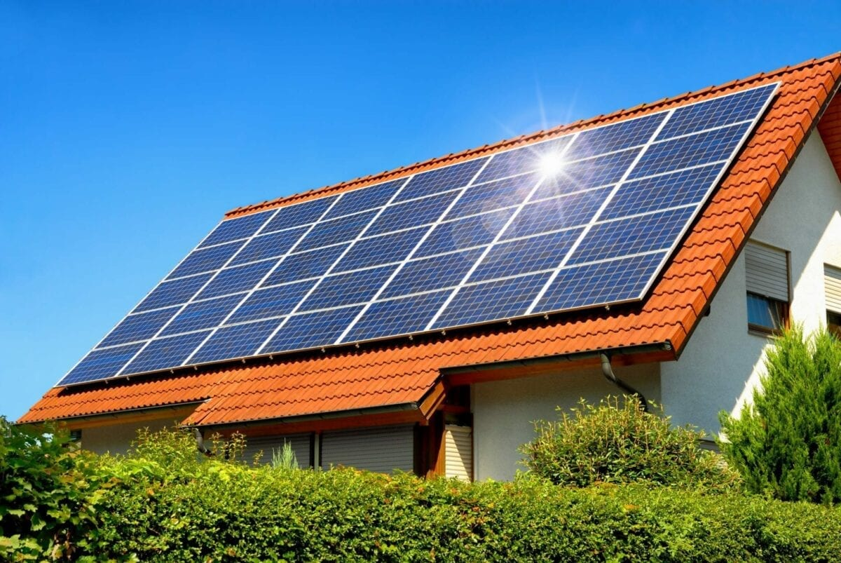 Why Are Solar Panels on Your Roof in the UK a Great Option
